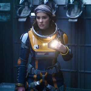 lost-in-space-parker-posey-s2